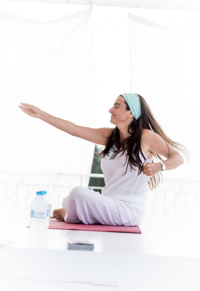 kundalini-yoga-retreat-satyaa-pari-mantra-concerts-satsang-holidays