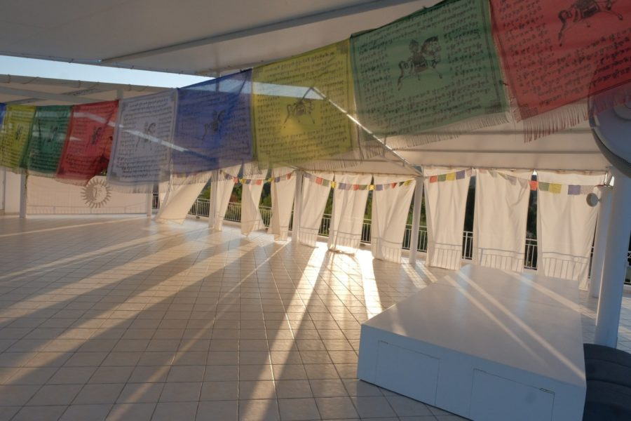sunset-bar-kundalini-yoga-1-satyaa-pari-mantra-concerts-satsang-holidays