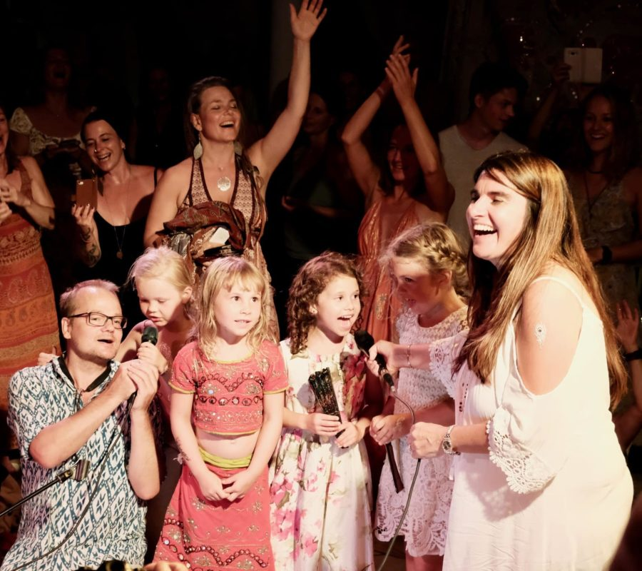 kids-singing-corfu-seminars-openair-concerts-with-satyaa-and-pari