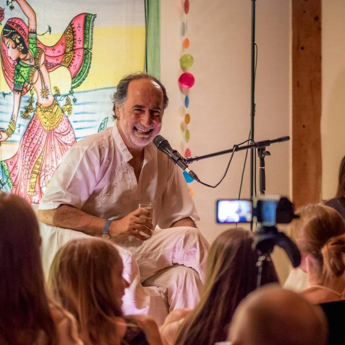 silence-and-laughter-retreat-and-satsang-1-with-pari-in-corfu-holidays
